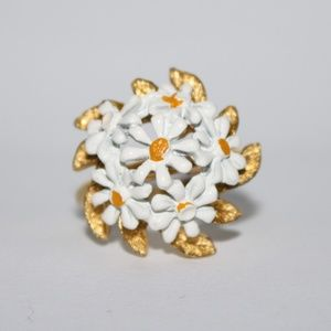 Vintage Daisy and Gold adjustable ring